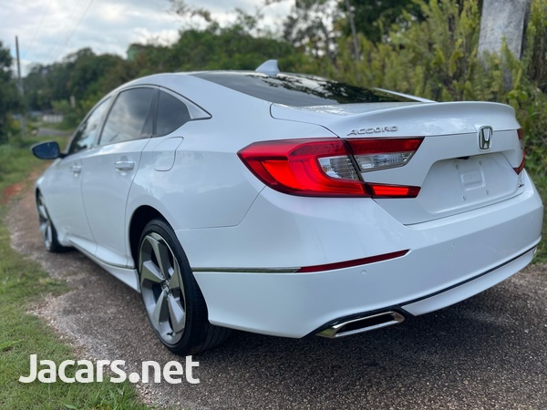Honda Accord 2,0L 2018-5