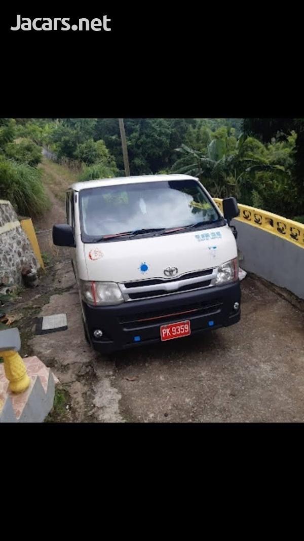 Toyota Hiace mini bus 2011-3