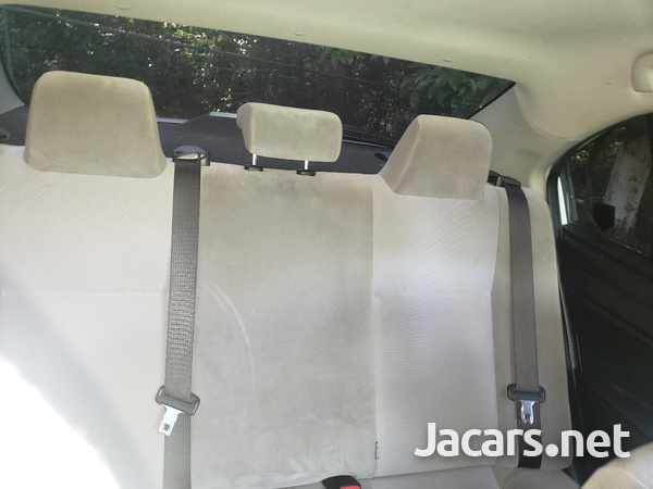 Toyota Axio 1,5L 2015-10