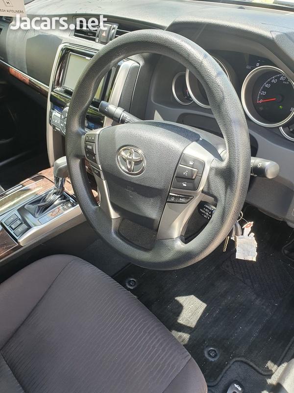 Toyota Mark X 2,5L 2017-5