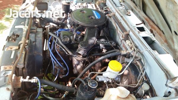 1988 Nissan Cab Plus 2,4L 1988-2