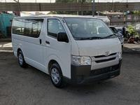 Toyota Hiace DX Bus 2,0L 2016