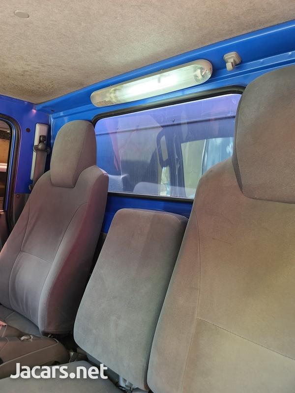 Isuzu Box Body Truck 3,5L 2012-12