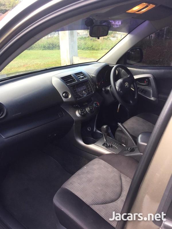 Toyota Rav 4 2,0L 2012-5