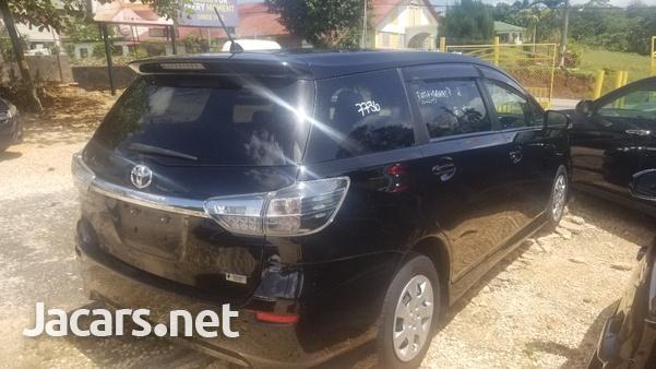 Toyota Wish 2,0L 2012-5