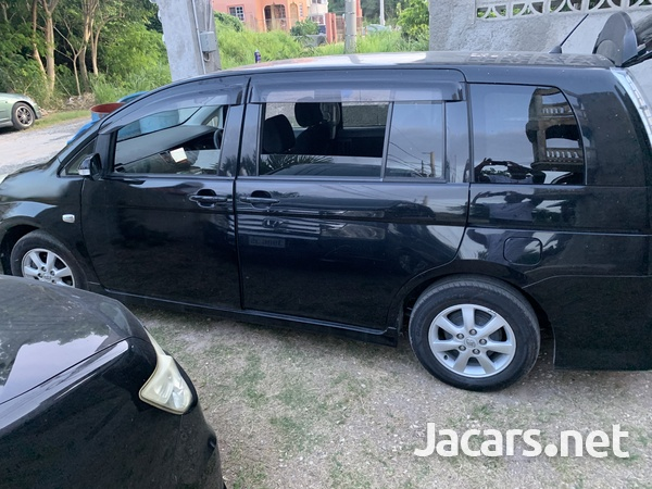 Toyota Isis 1,8L 2013-3