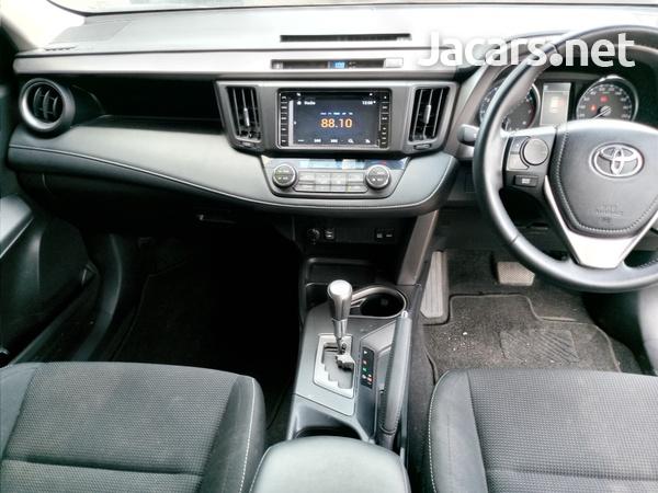 Toyota RAV4 2,0L 2019-5