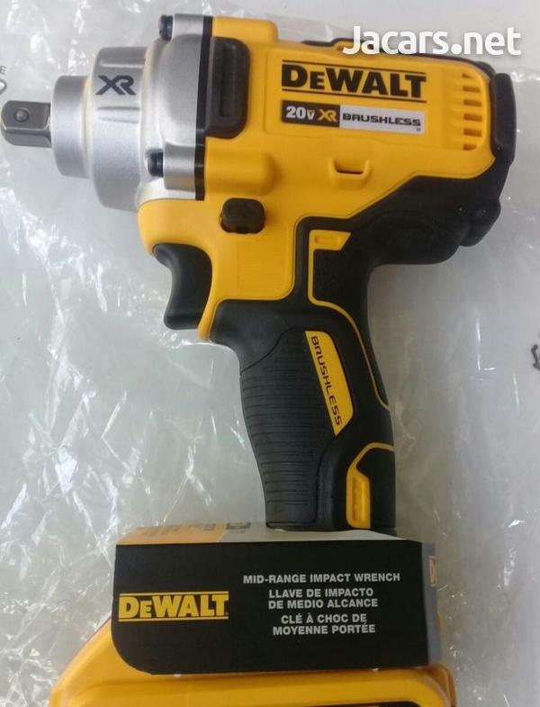 DEWALT 20 Volt Impact Wrench-7