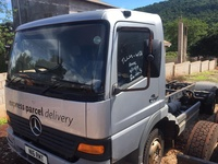 2002 Mercedes Benz Cab/ Chassis Truck