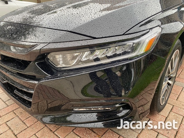 Honda Accord 2,0L 2018-7