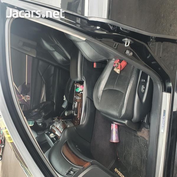 Nissan Fuga 2,5L 2010-6