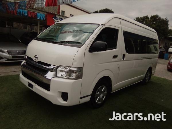 2016 Toyota Hiace Commuter-7
