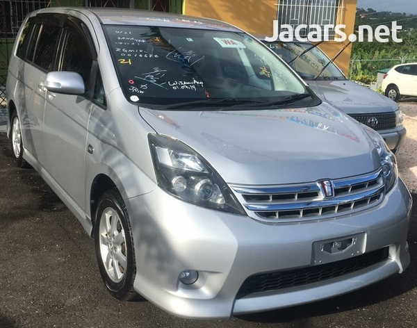 Toyota Isis 1,9L 2010-1