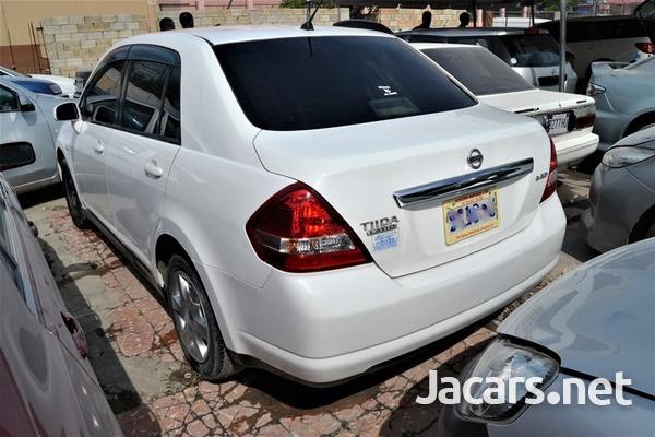 Nissan Tiida 1,3L 2010-4