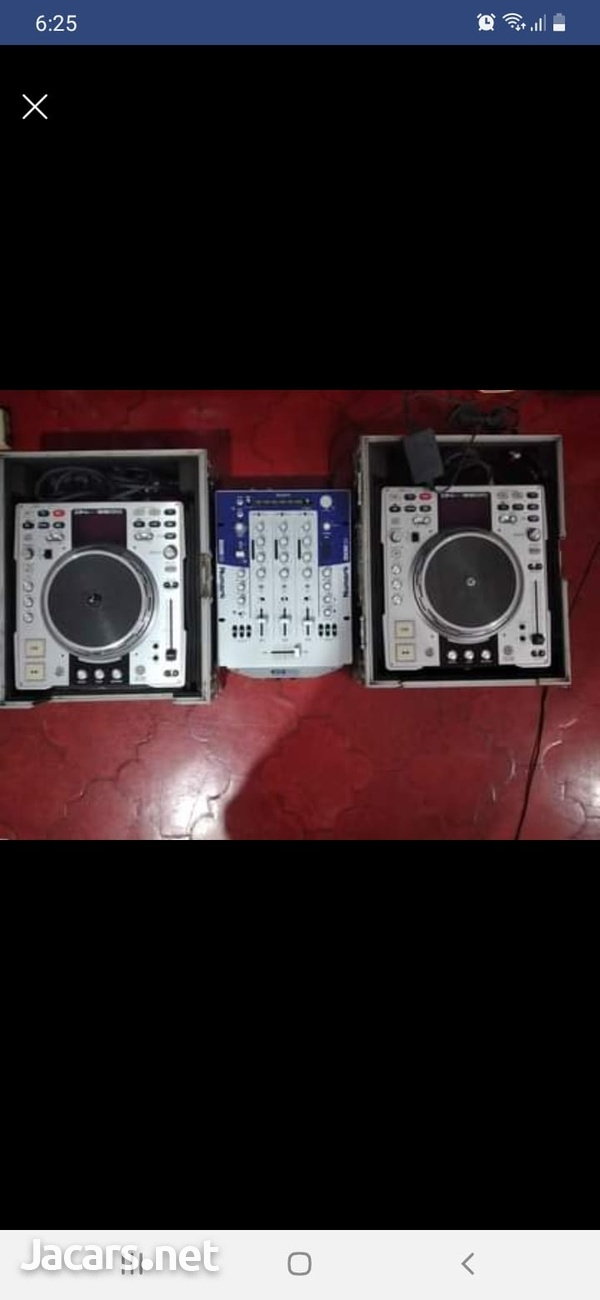 Numark mixer +2 Dennon Cd players and cases-4