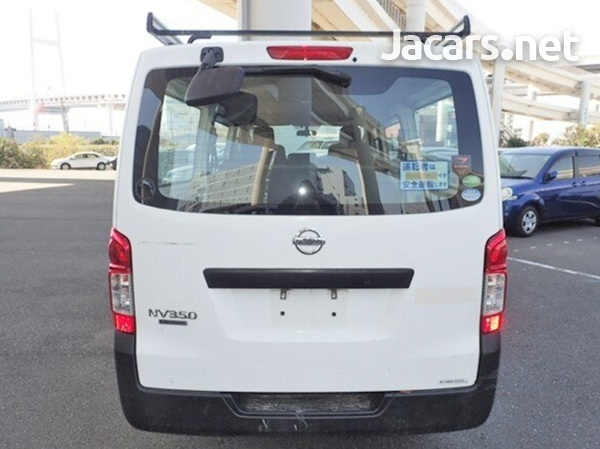 Nissan Caravan 2,0L 2015-5