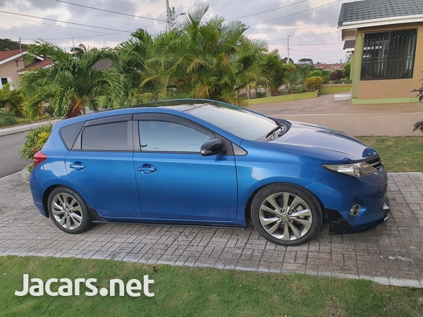 Toyota AURIS 1,8L 2014-1