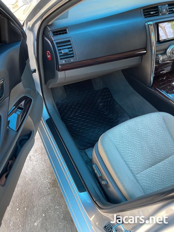 Toyota Mark X 2,1L 2012-11