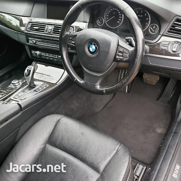 BMW 5-Series 2,5L 2011-7