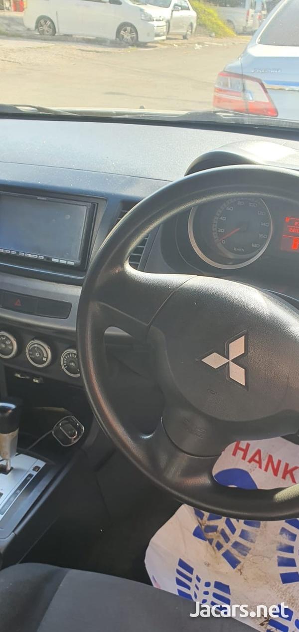 Mitsubishi Galant Fortis 2,0L 2009-4