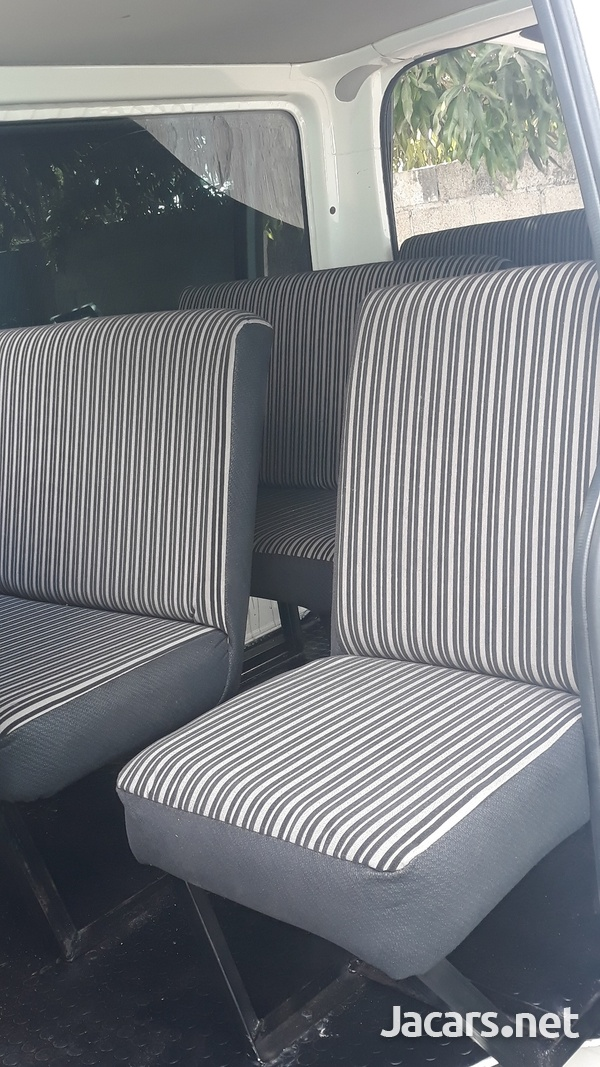 BUS SEATS WITH STYLE AND COMFORT.CONTACT THE EXPERTS 8762921460-2