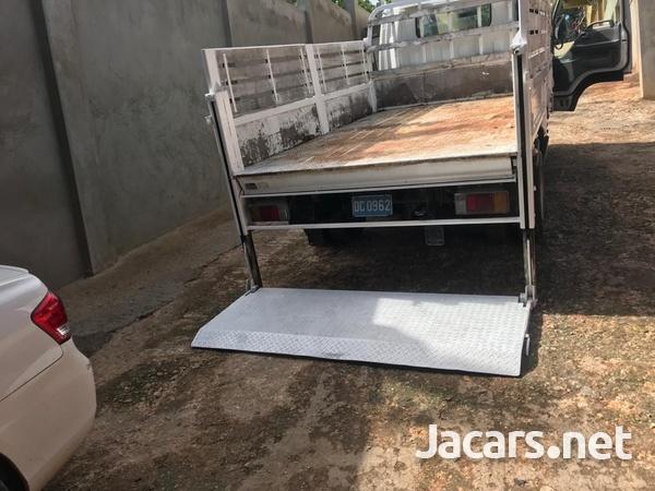 2006 Isuzu Flat Bed Truck-12
