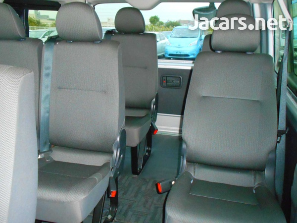 2016 Toyota Hiace Long DX 10 Seater-4