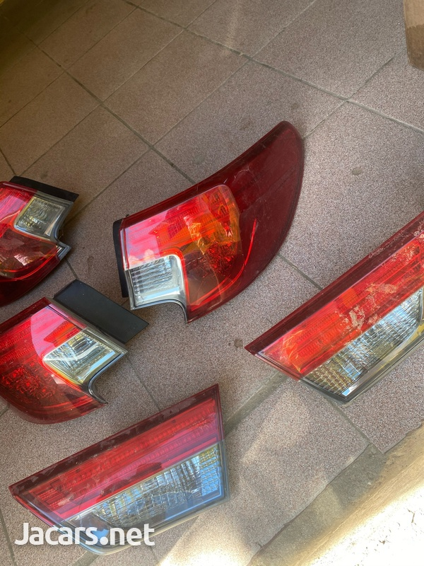 Toyota Mark X 2013 Back Light-1
