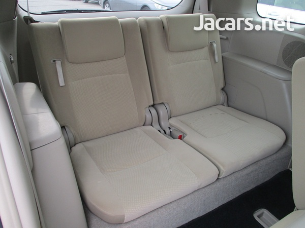 Toyota Isis 2,0L 2016-4