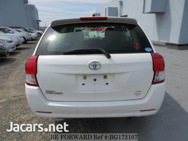 Toyota Fielder 1,5L 2014-4