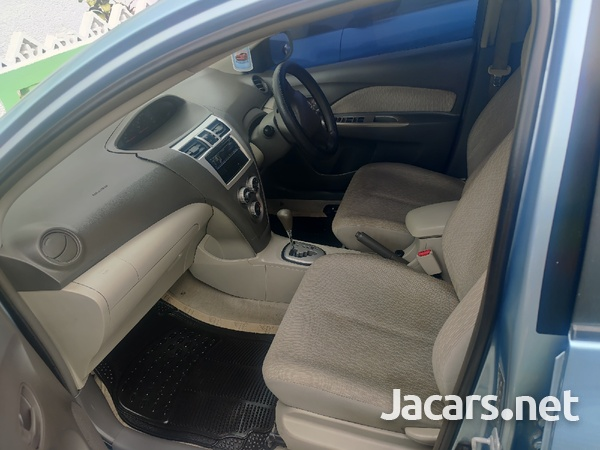 Toyota Belta 1,0L 2010-1