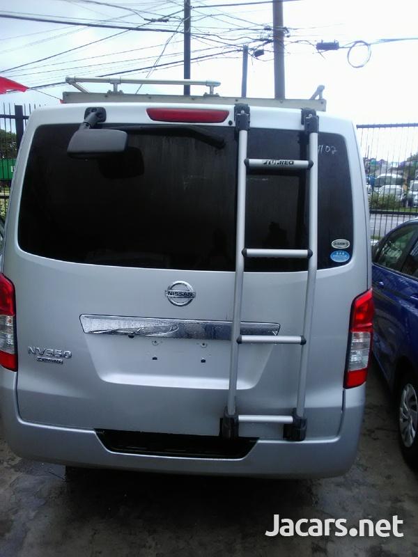 Nissan Caravan 2,0L 2013-3