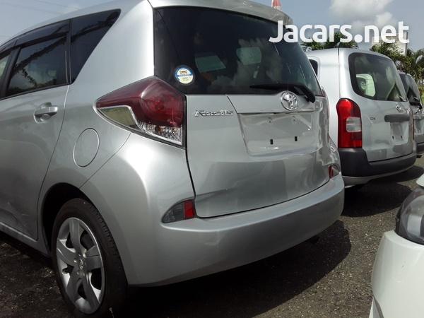 Toyota Ractis 1,5L 2014-4