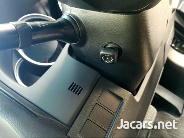 Toyota Mark X 2,5L 2013-8