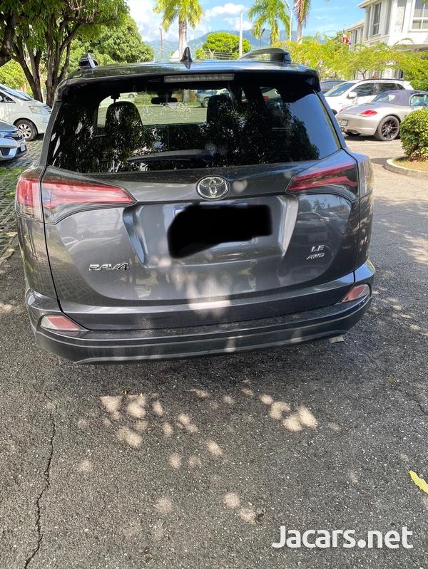 Toyota RAV4 2,5L 2017-9