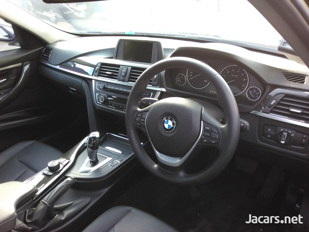 BMW 3-Series 1,6L 2014-4