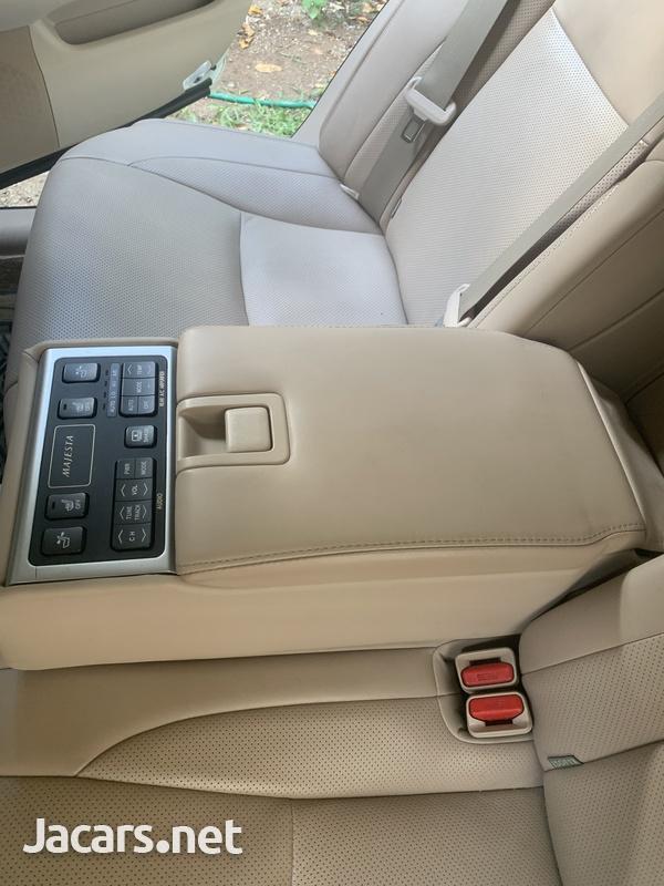 Toyota Crown 4,6L 2012-11