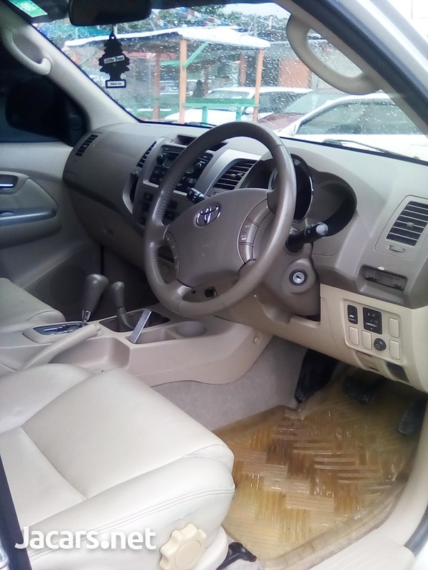 Toyota Fortuner 2,7L 2007-5