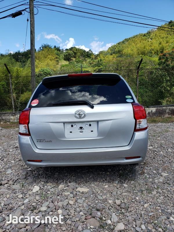 Toyota Fielder 1,5L 2014-6