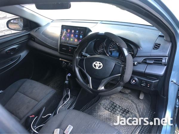 Toyota Yaris 1,3L 2014-6