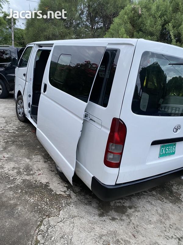 2015 Toyota Hiace mini bus-3