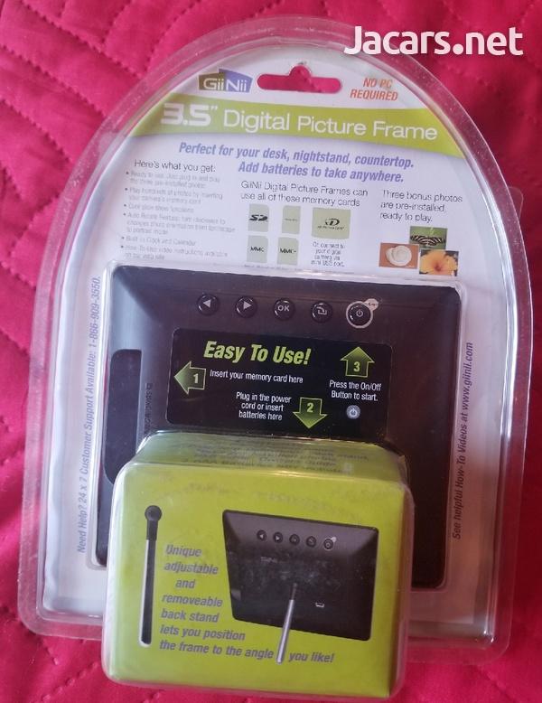 Digital 3.5 Picture Frame-2