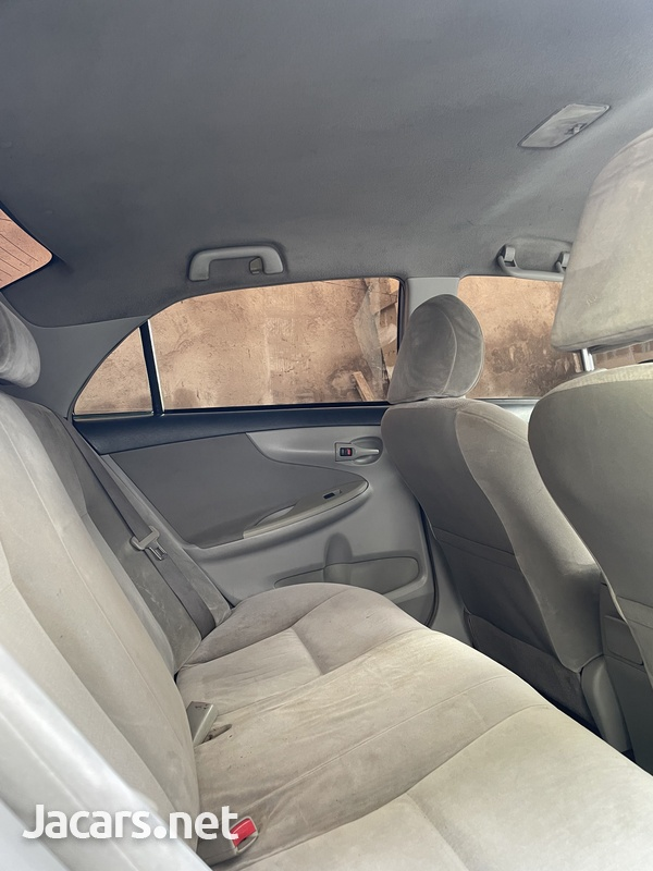 Toyota Corolla XLi 1,5L 2012-6
