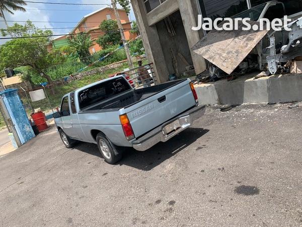 Nissan Pickup 2,0L 1989-5