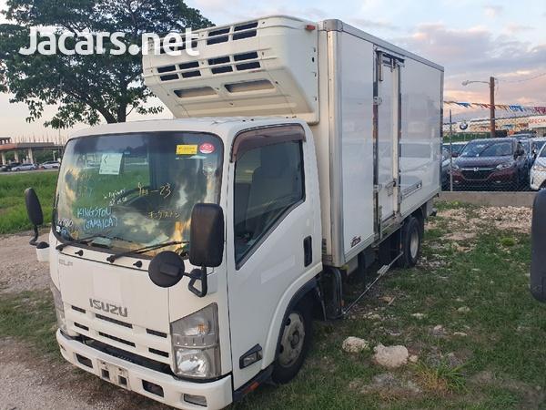 2012 Izusu Elf freezer truck-6