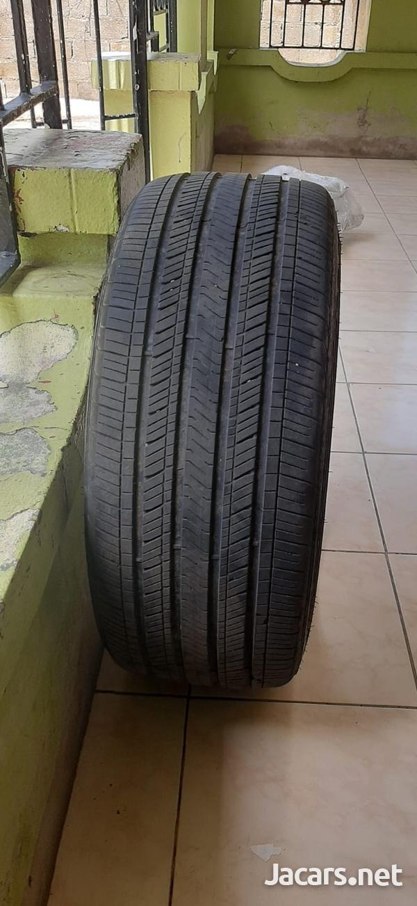 235/40/19 Goodyear Tire-5