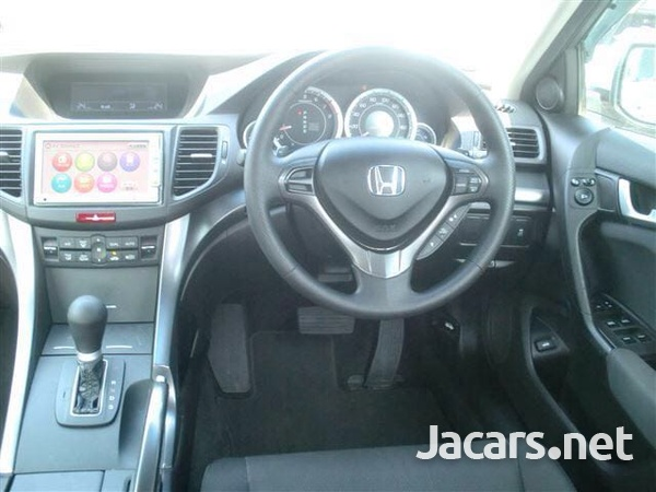 Honda Accord 1,6L 2011-5