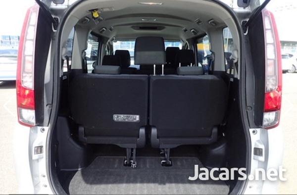 Toyota Noah 2,0L 2016-6