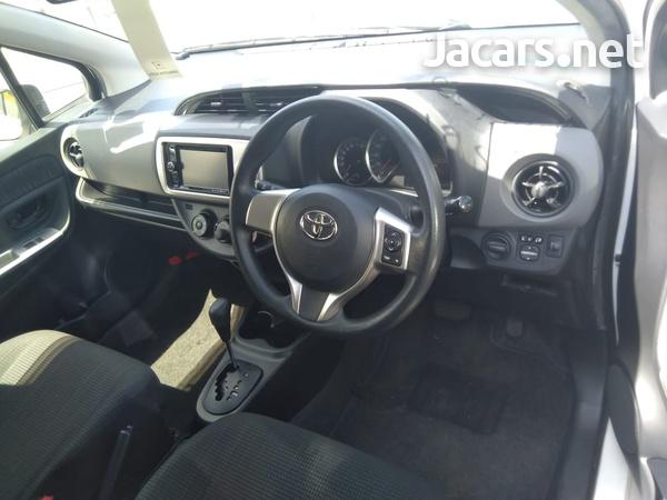 Toyota Vitz 1,5L 2016-5