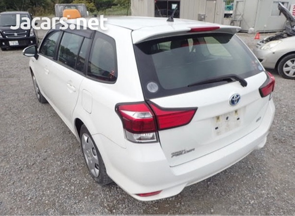 Toyota Fielder 1,5L 2016-3